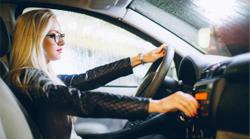 Night Drive Boost de BBGR Optique traitement qui protège les yeux des UV la journée et réduit sensation d'éblouissement des phares des voitures la nuit. Résistant à l'eau, aux traces de doigts, aux poussières et aux micro-rayures.