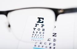 Verre optique unifocal sphérique Unor et verre optique unifocal asphérique Asphor de BBGR Optique sont des verres unifocaux pour la myopie l'hypermétropie ou l'astigmatisme