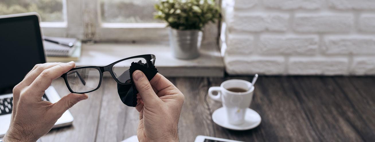 6 astuces pour bien entretenir vos lunettes